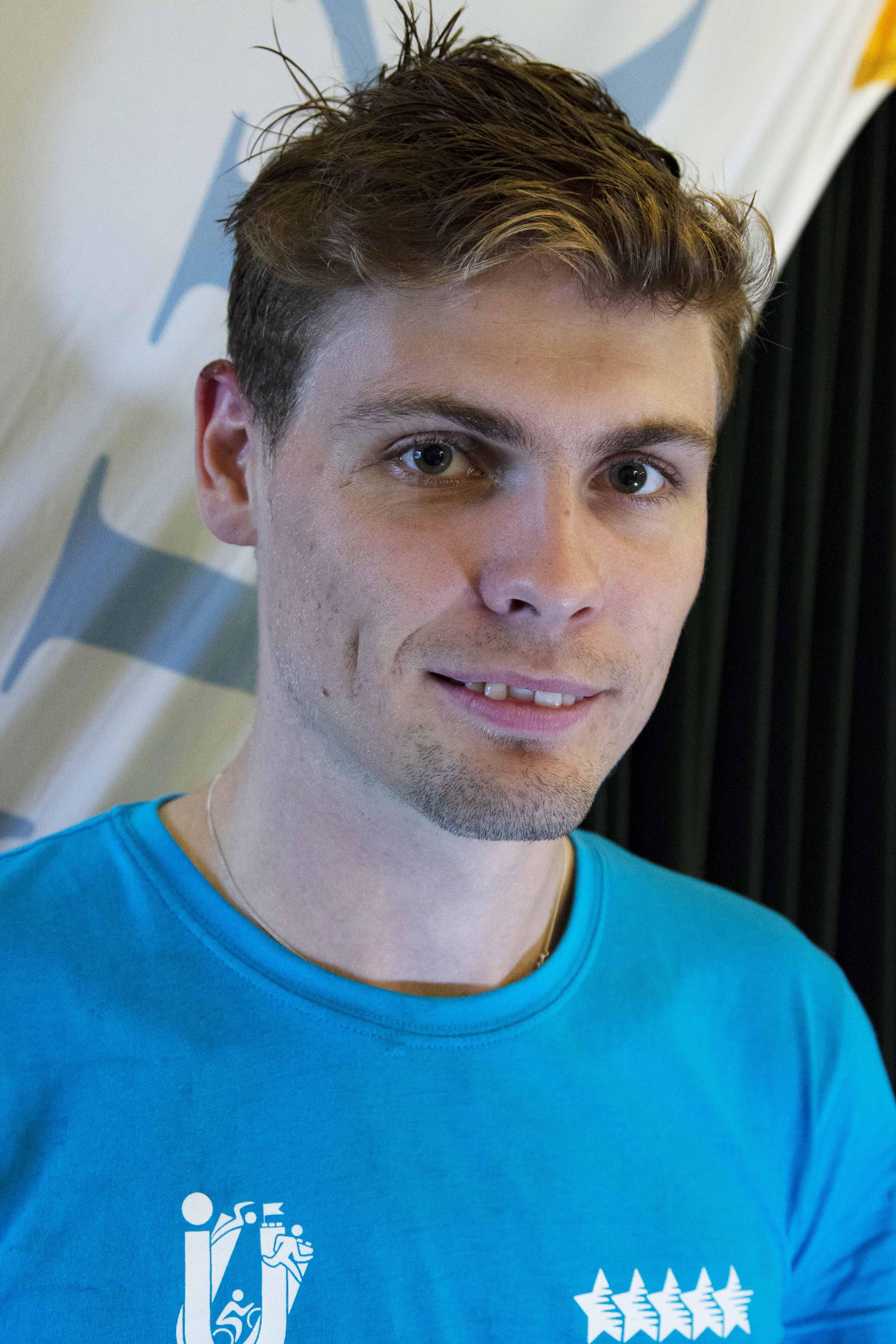 Philip Lind har studerat vid Linnéuniversitetet och är ordförande för studentorganisationen FIKS.